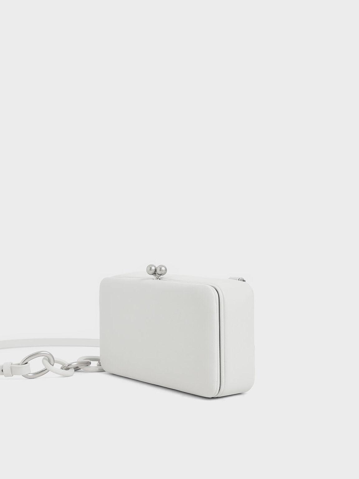 珠扣斜背包, 白色, hi-res