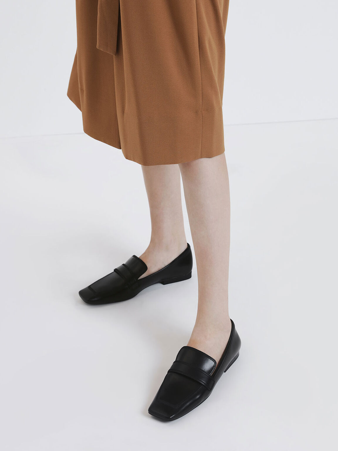 Overlock Stitch Loafers, Black, hi-res