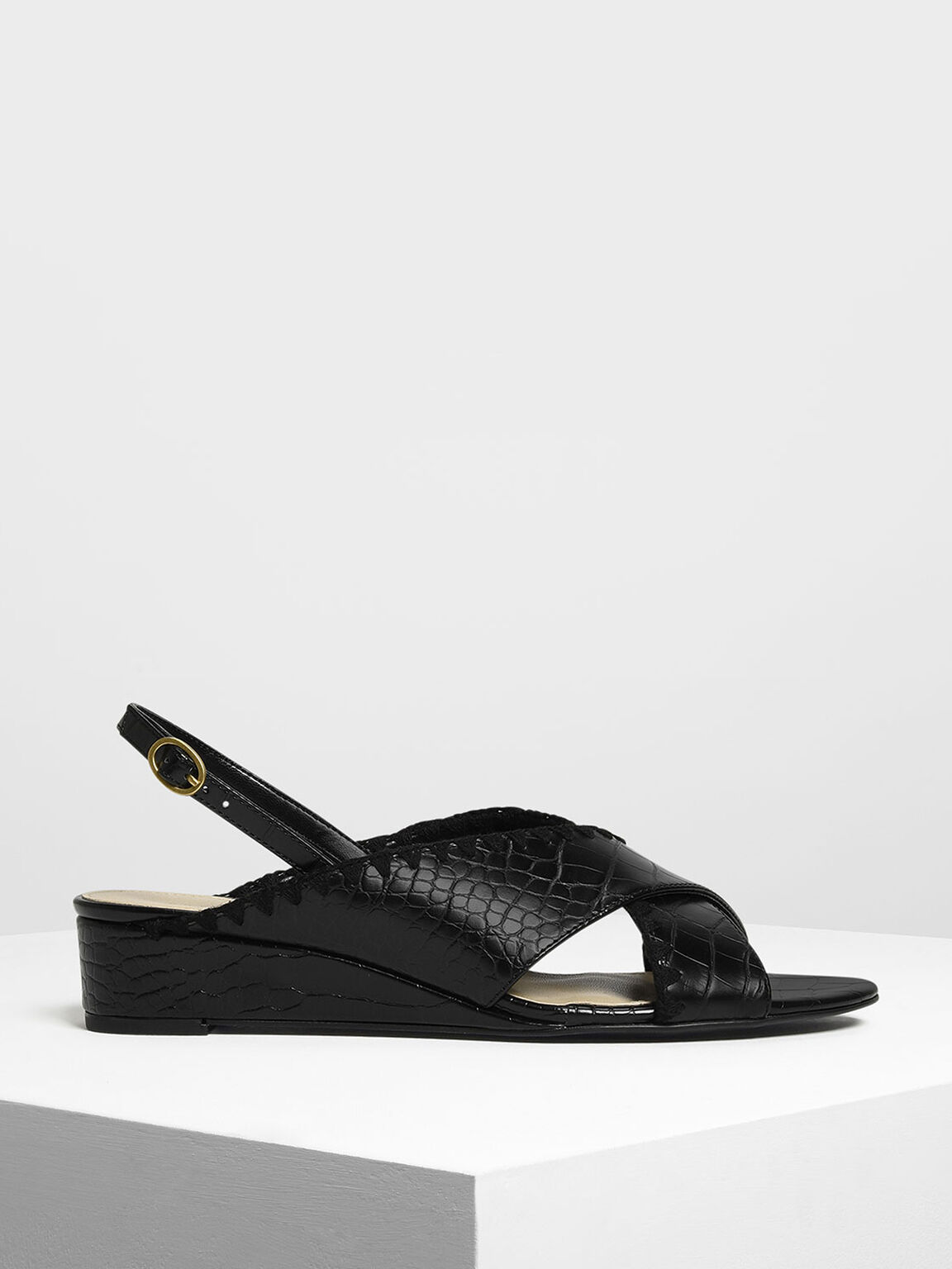 Whipstitch Trim Wedge Sandals, Black, hi-res