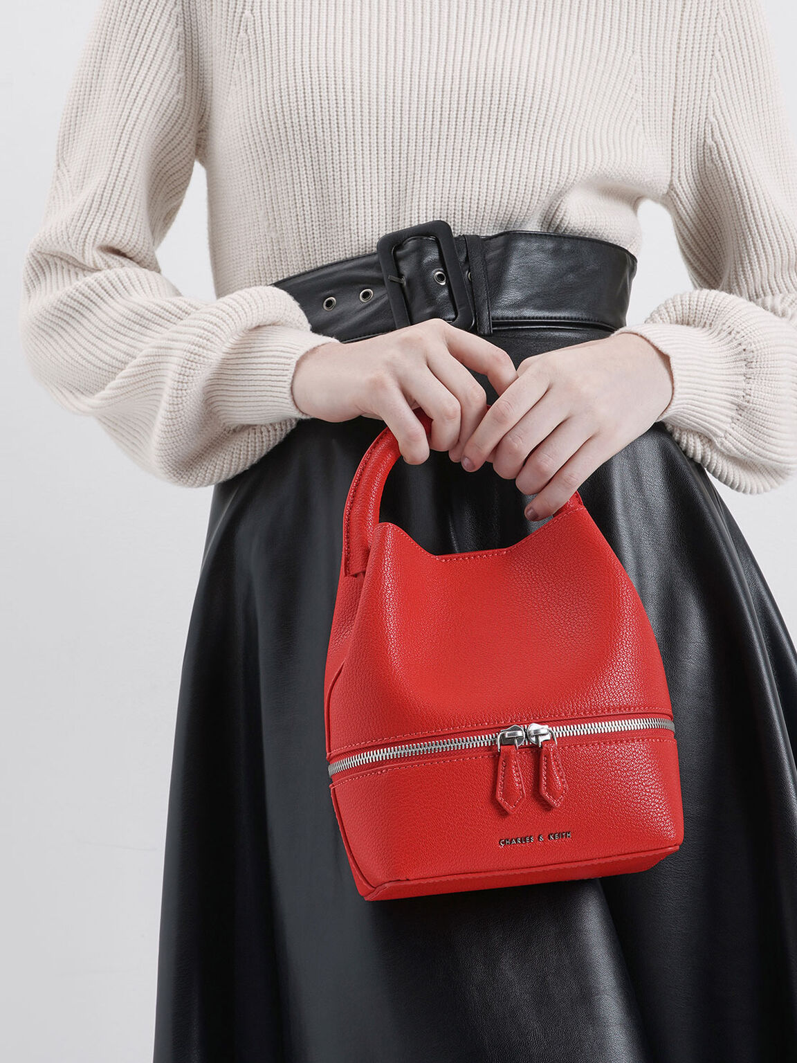 Two-Way Zip Bucket Bag, Red, hi-res