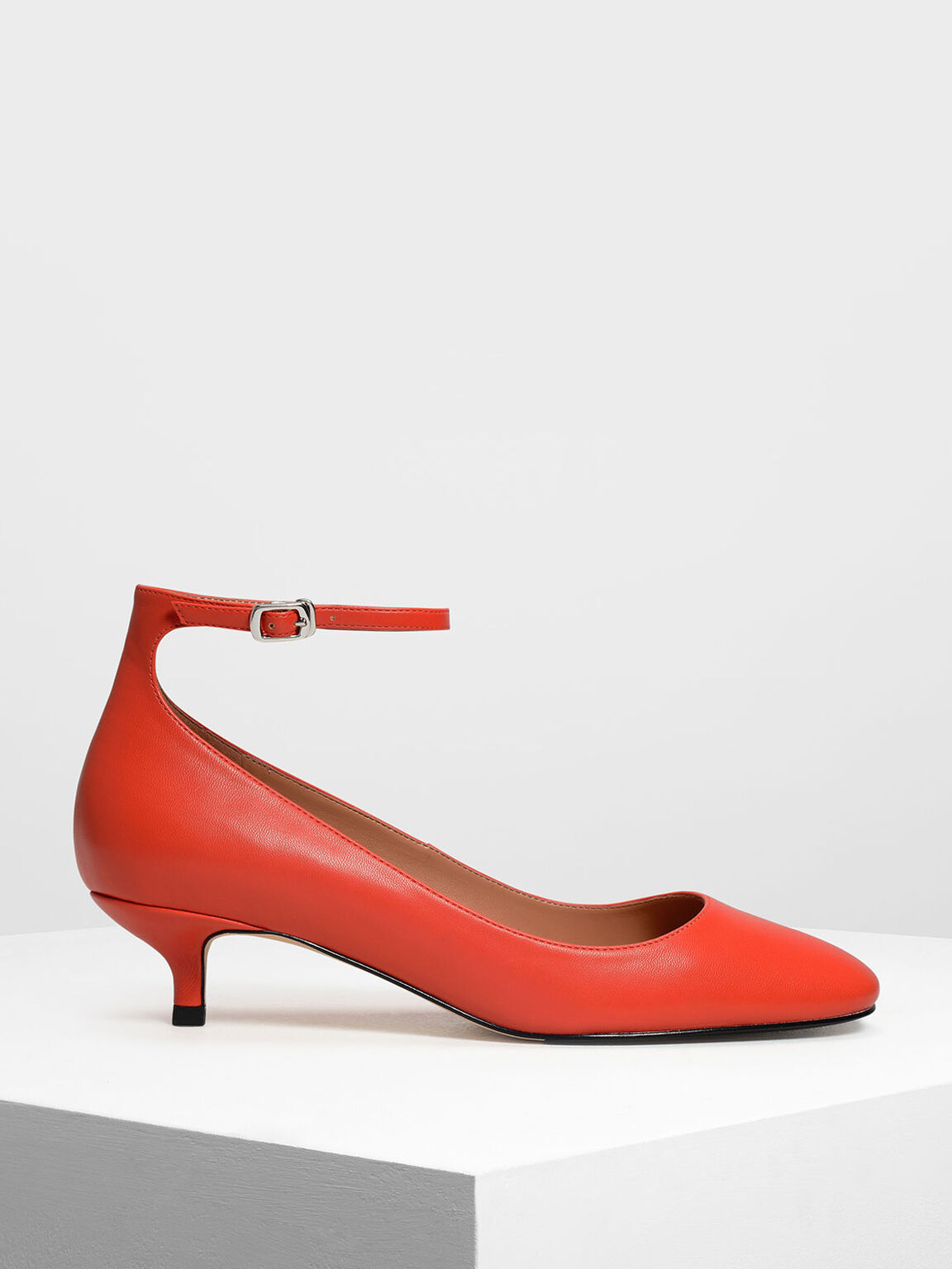 Round Toe Ankle Strap Pumps, Red, hi-res