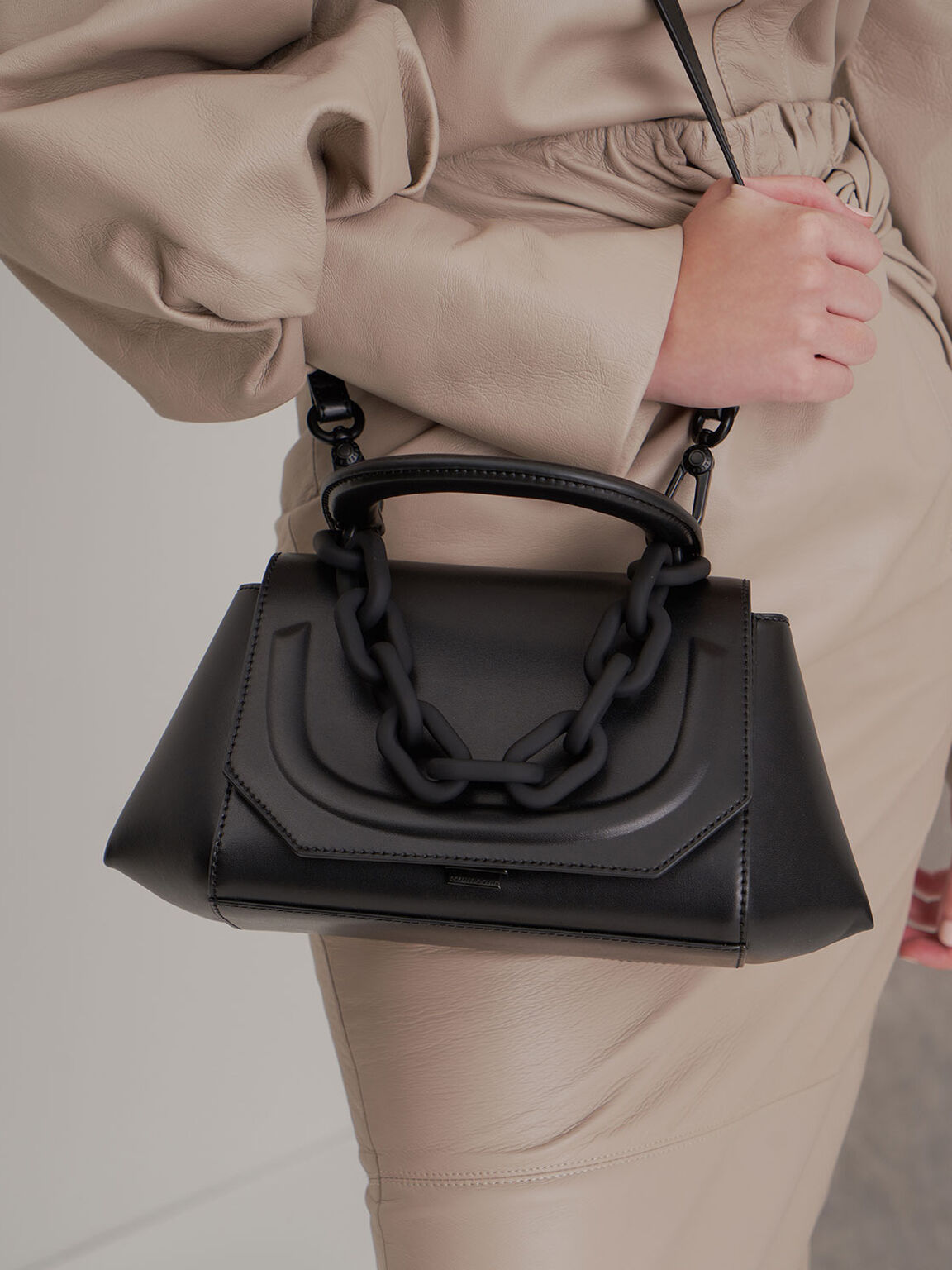 Chunky Chain Handbag, Ultra-Matte Black, hi-res