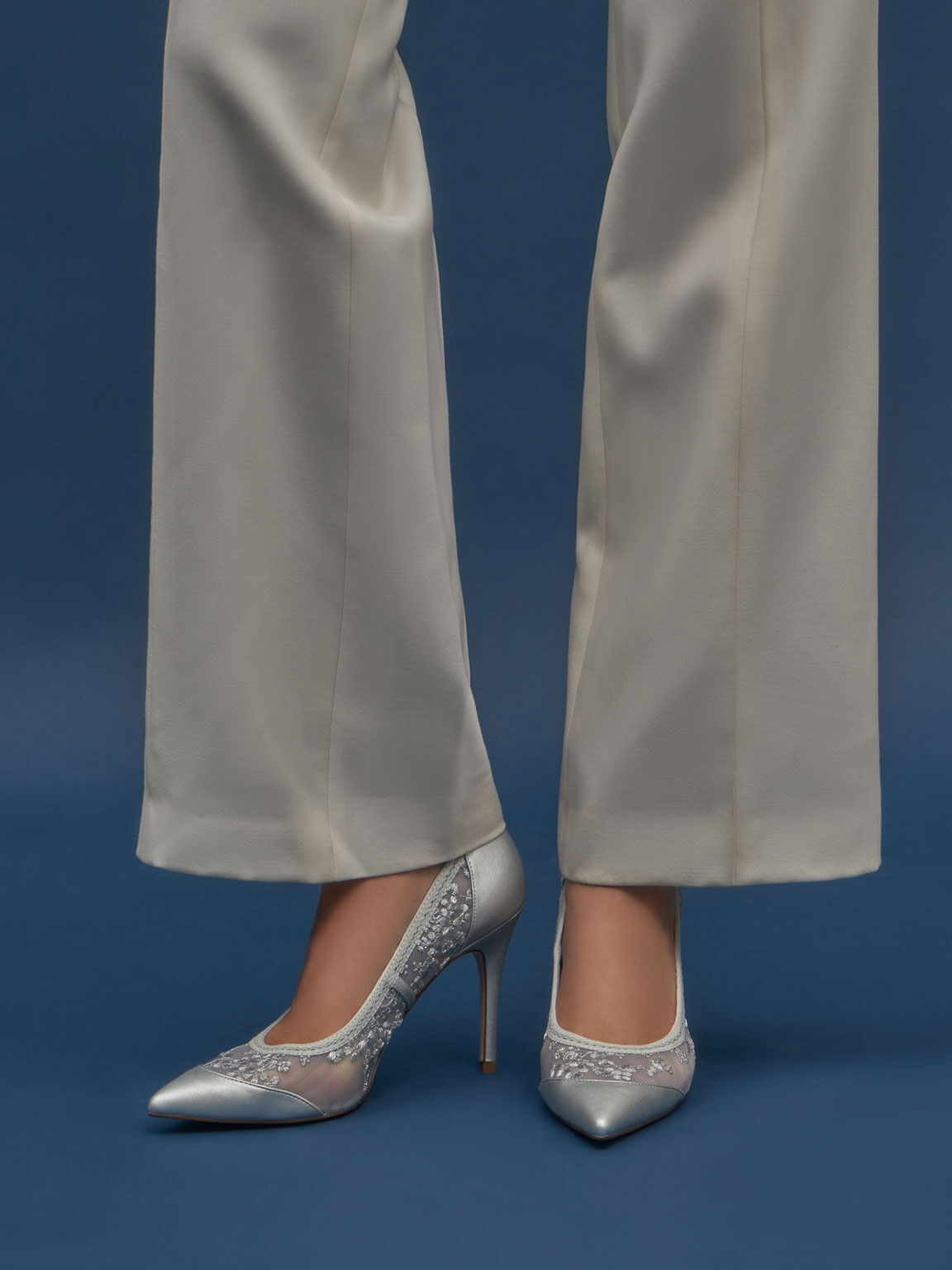 Embroidered Mesh Pointed Pumps, Silver, hi-res