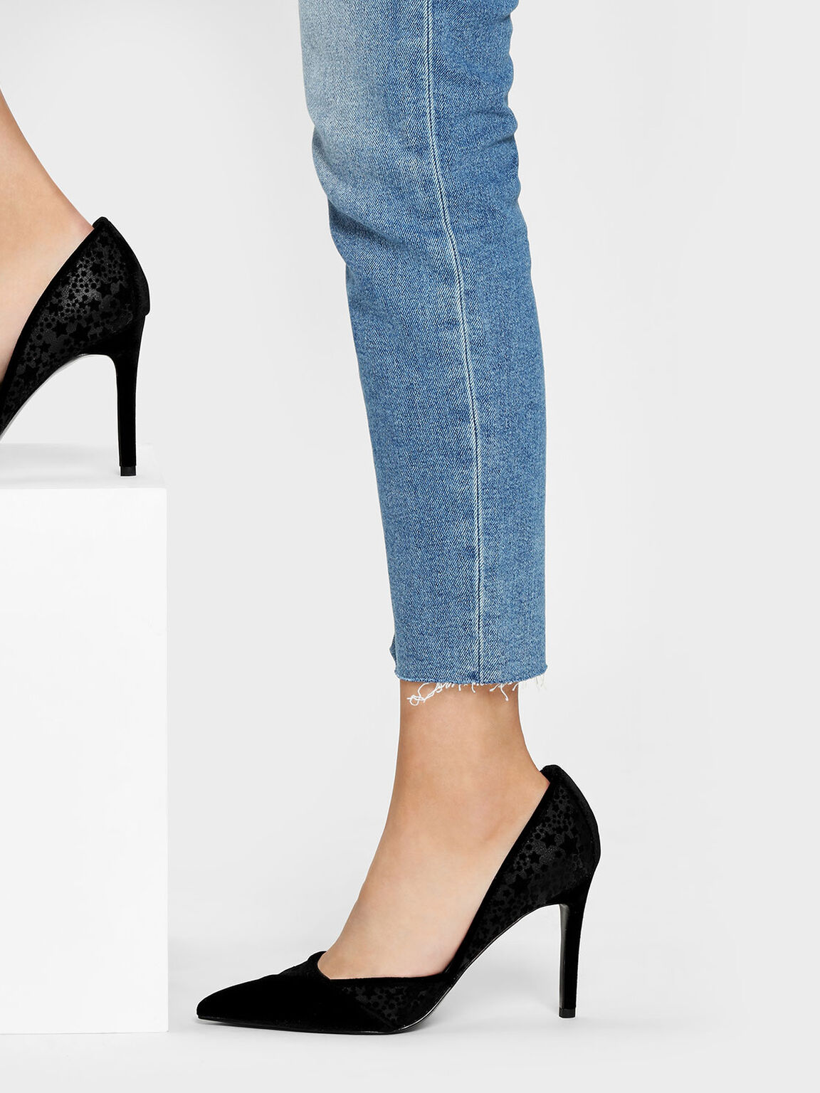 Velvet Flocking Pointed Pumps, Black, hi-res