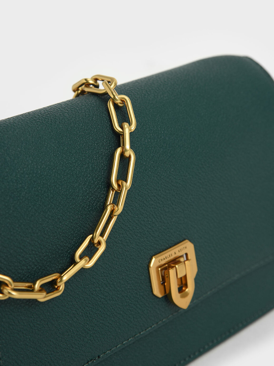 Double Chain Link Push-Lock Bag, Green, hi-res