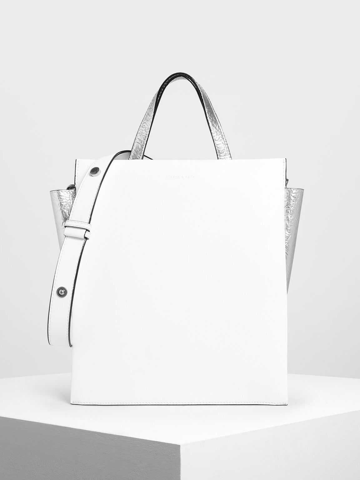 Double Handle Chain Link Tote Bag, White, hi-res