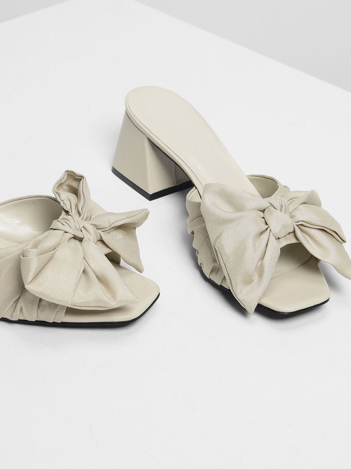 Oversized Knotted Bow Mules, Cream, hi-res