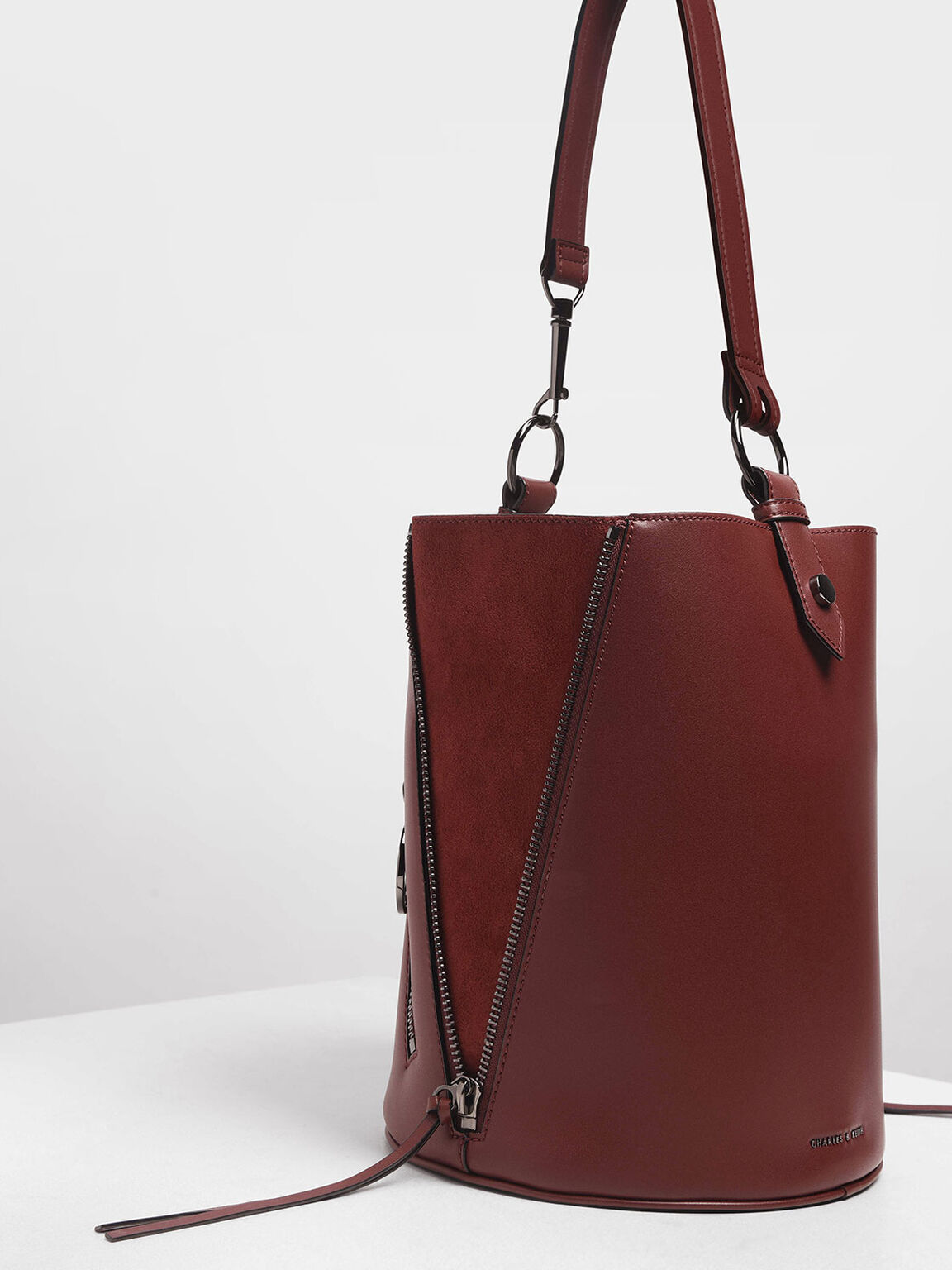Ring Zip Pocket Geometric Bucket Bag, Burgundy, hi-res