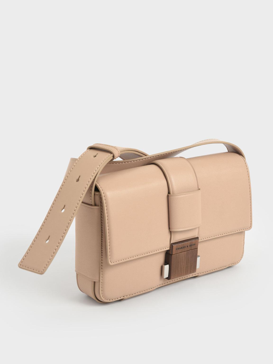 金屬釦斜背包, 黃褐色, hi-res