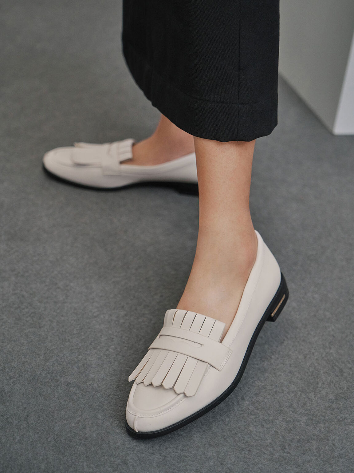 尖頭流蘇樂福鞋, 石灰白, hi-res
