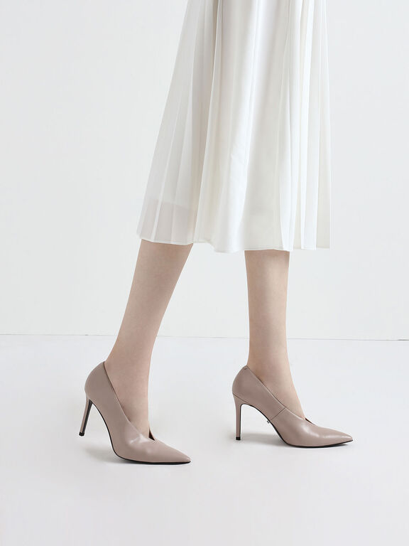 Chain Strap Pumps, Nude