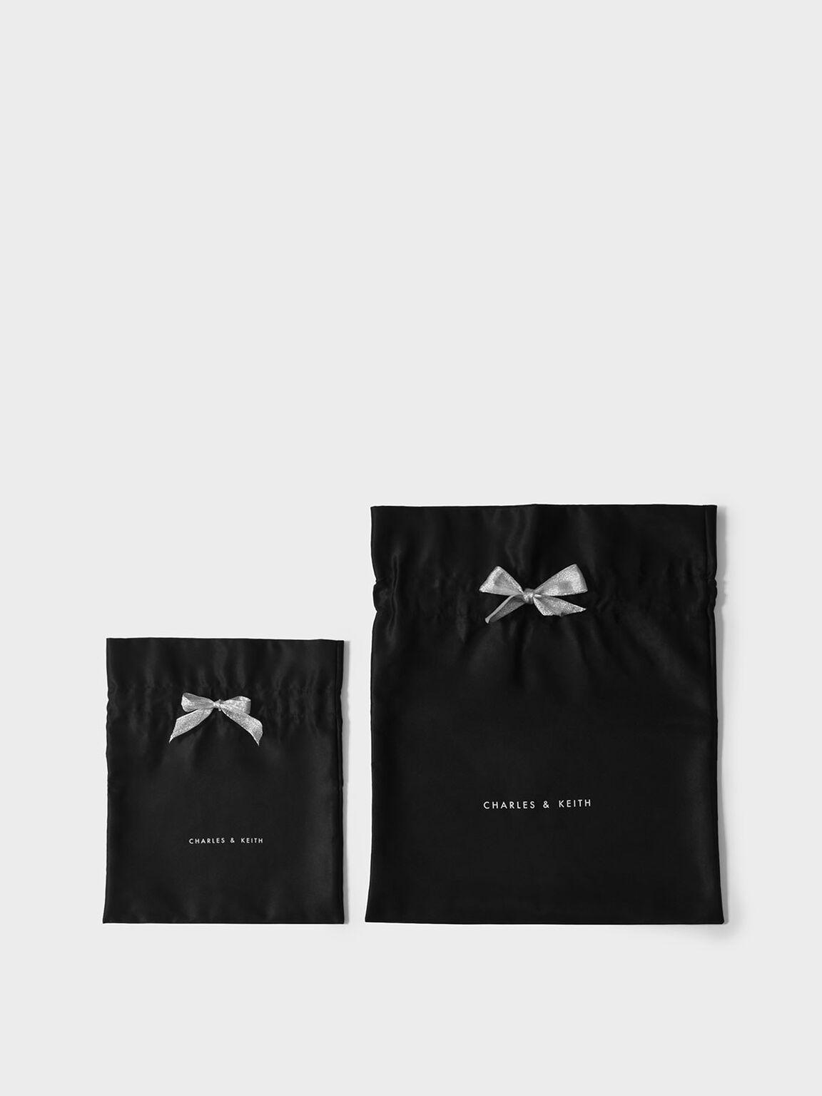 Holiday '19 Gift Bag (Medium), Black, hi-res