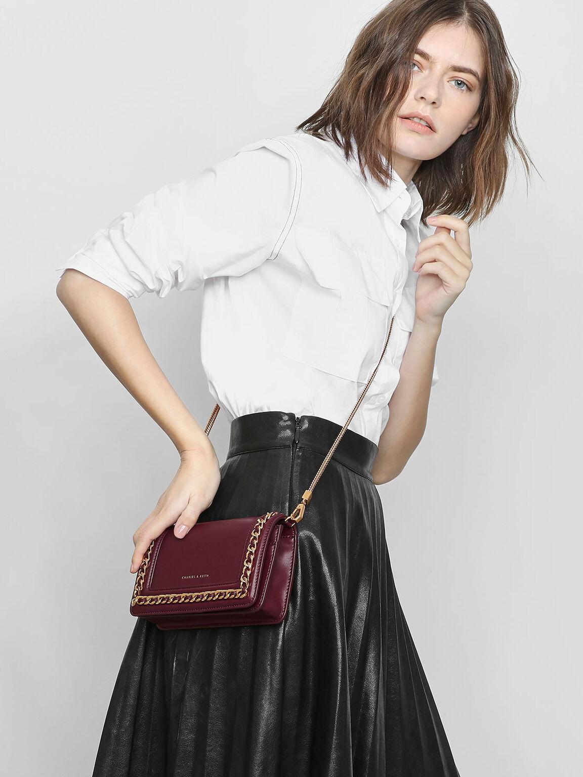 鍊條鑲邊手拿包, 深紫紅, hi-res