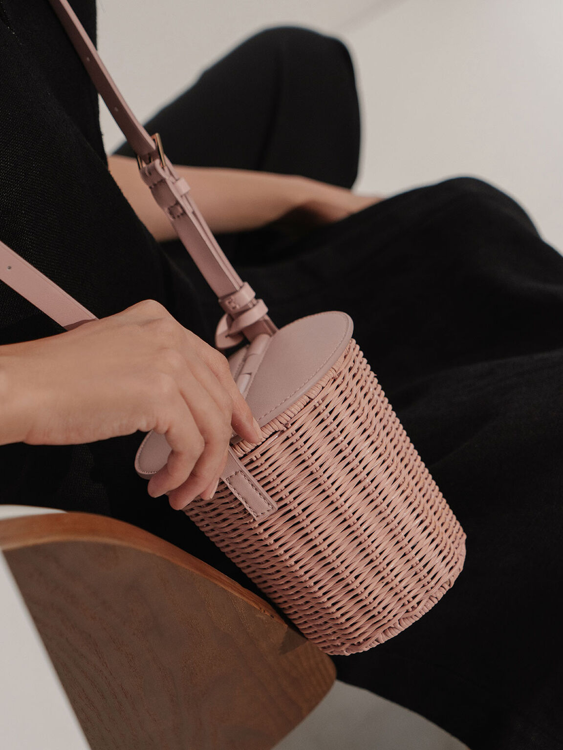Rattan Cylindrical Crossbody Bag, Pink, hi-res