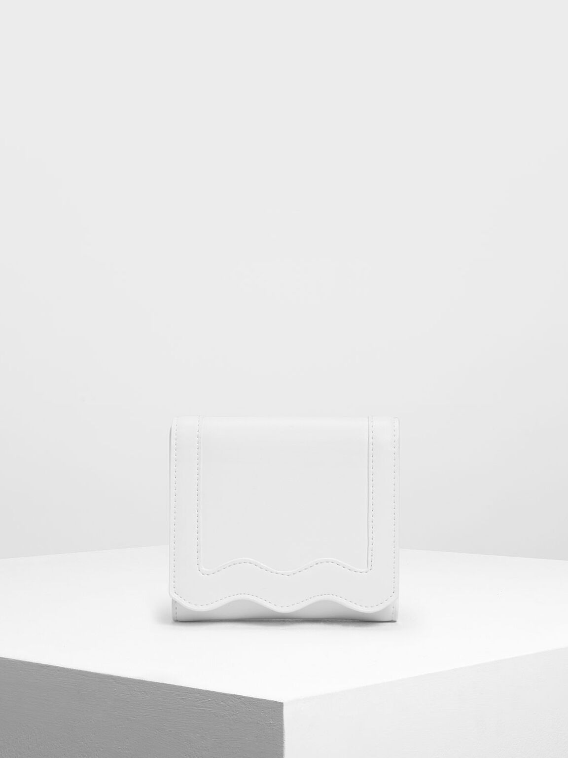 Scallop Print Mini Wallet, White, hi-res