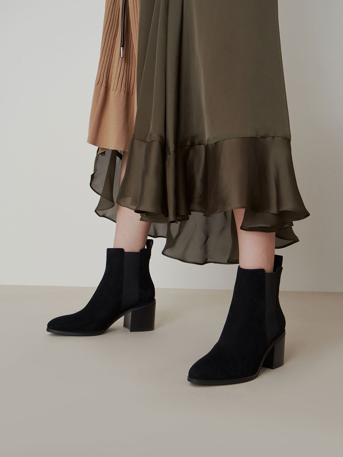 Textured Block Heel Chelsea Boots, Black Textured, hi-res