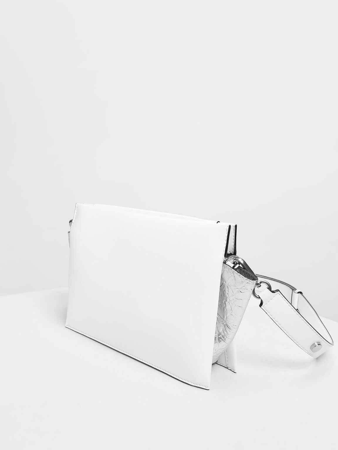 Chain Handle Shoulder bag, White, hi-res