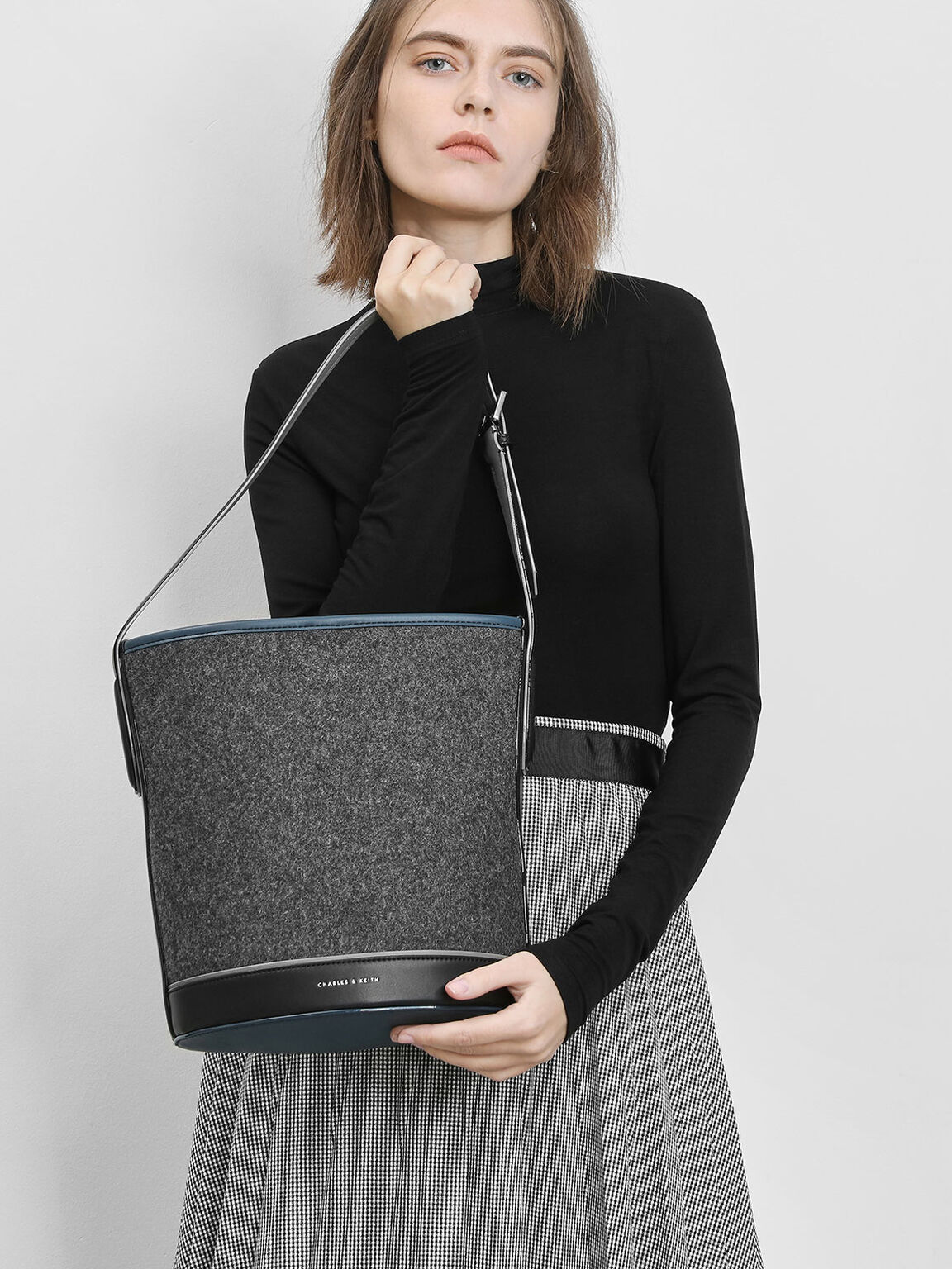 Classic Bucket Bag, Grey, hi-res