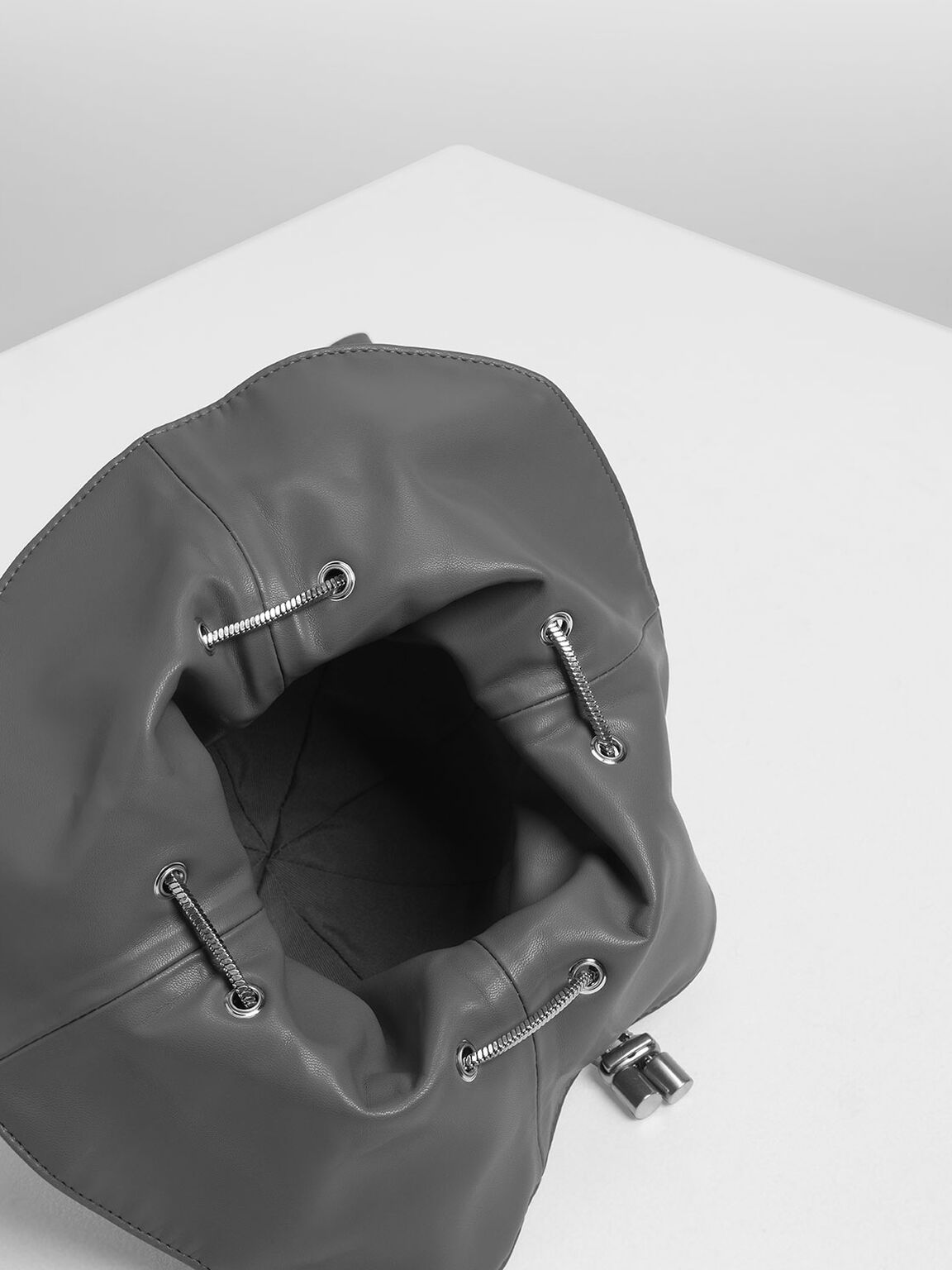 Chunky Chain Strap Spherical Bucket Bag, Grey, hi-res