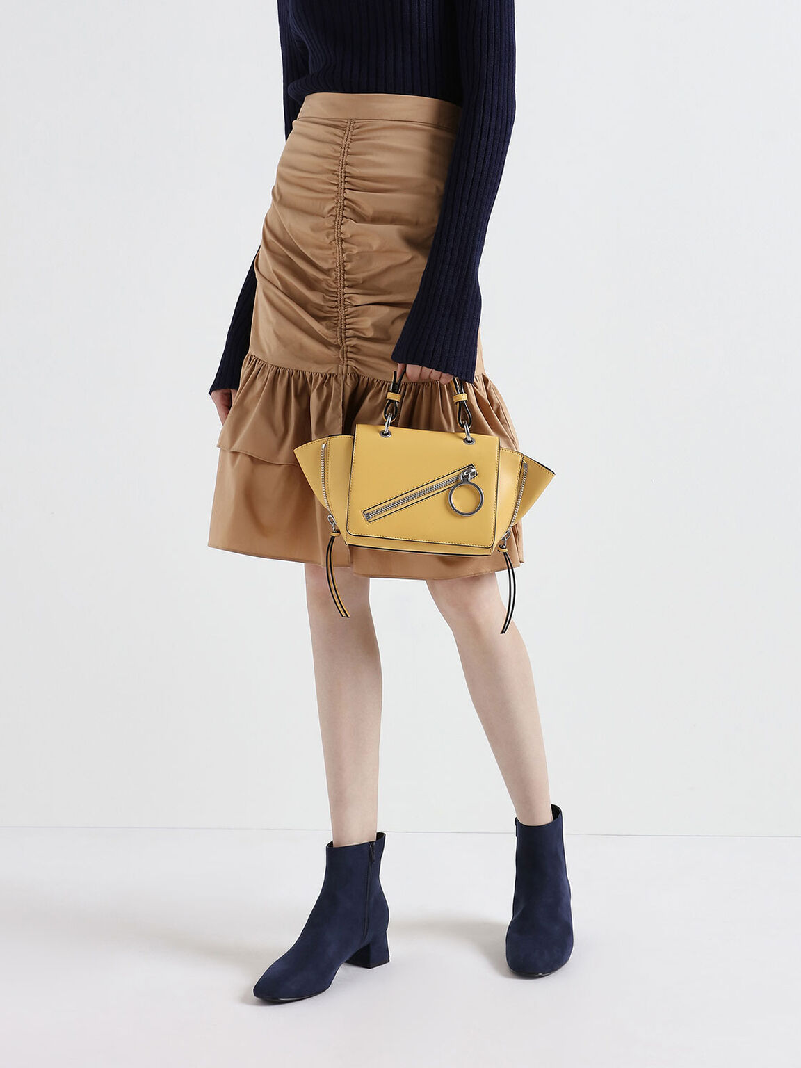 Ring Zip Pocket Trapeze Bag, Yellow, hi-res
