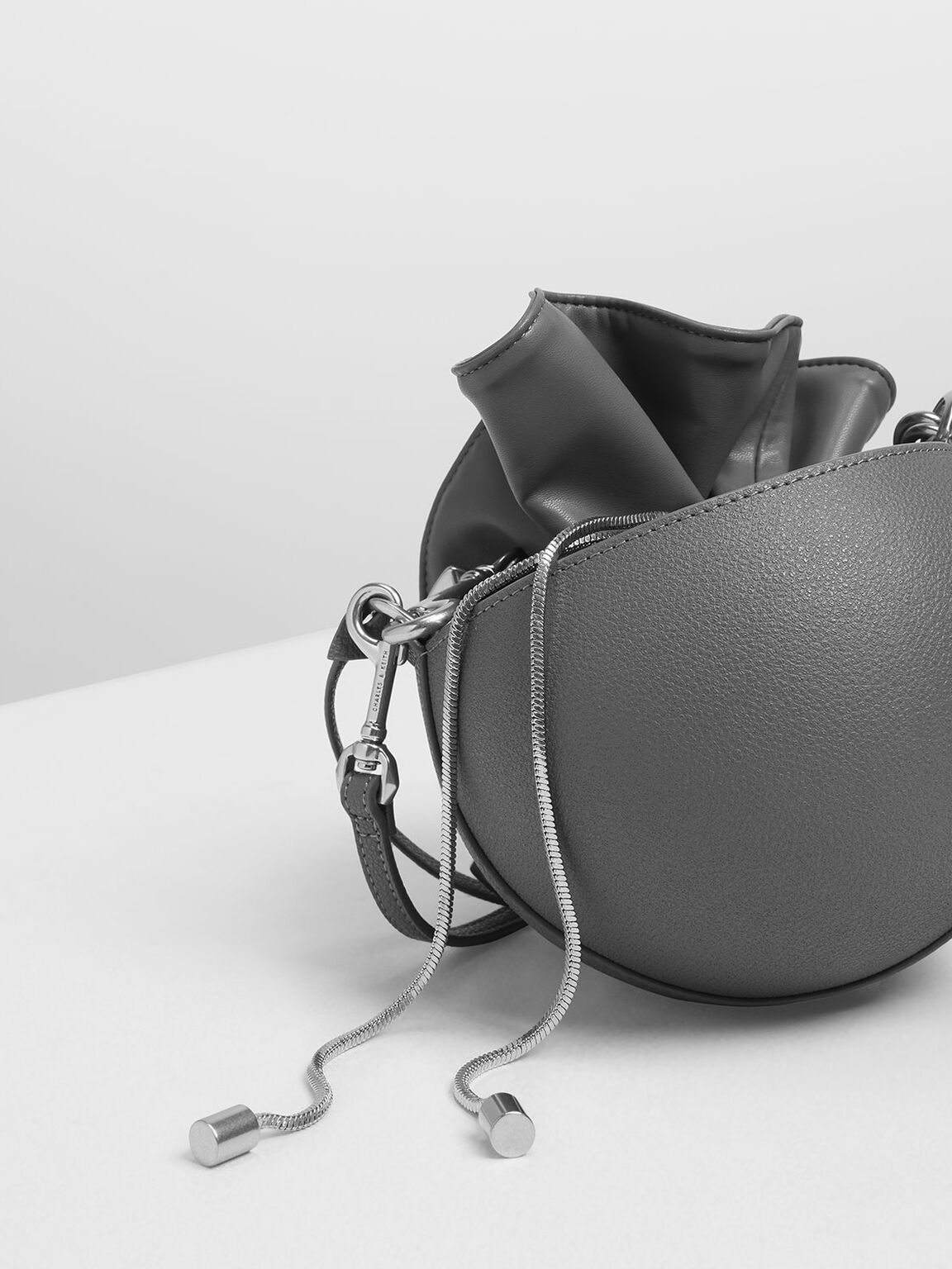 Chunky Chain Strap Spherical Bucket Bag, Grey, hi-res