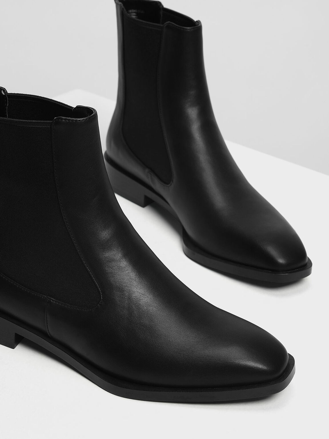 Classic Chelsea Boots, Black, hi-res