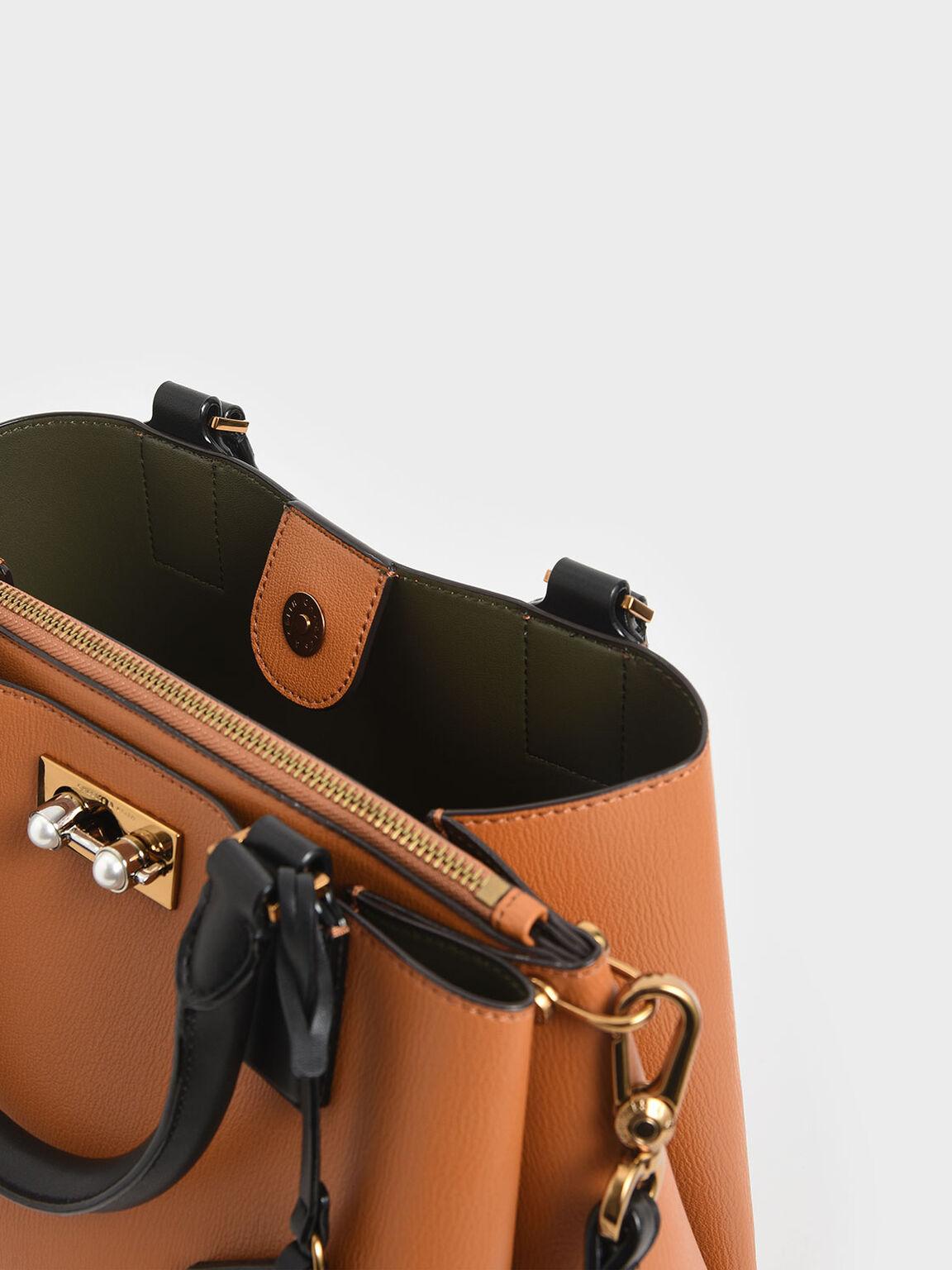 經典吊牌大型包, 黃褐色, hi-res