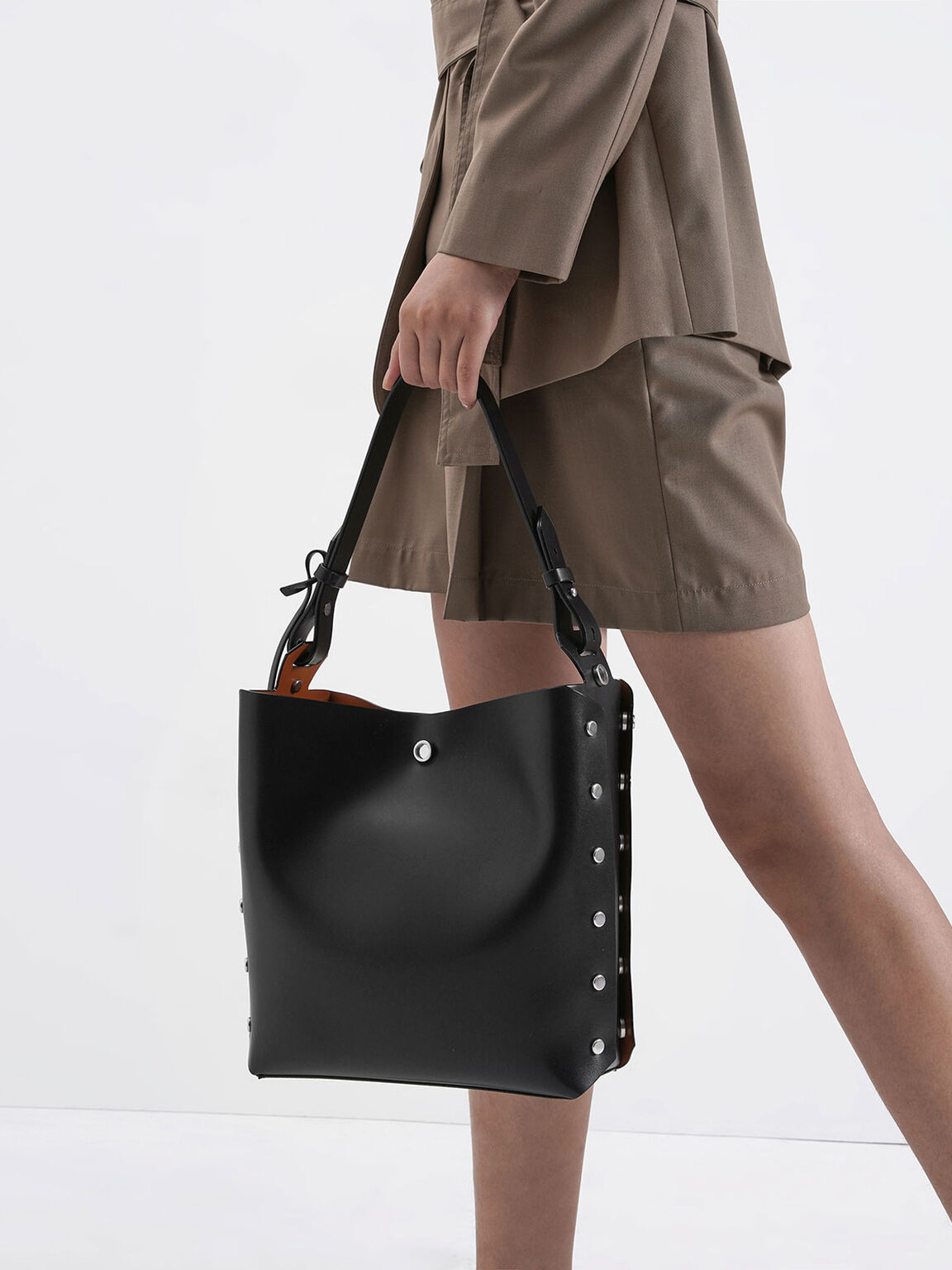 Reversible Studded Trapeze Shoulder Bag, Black, hi-res