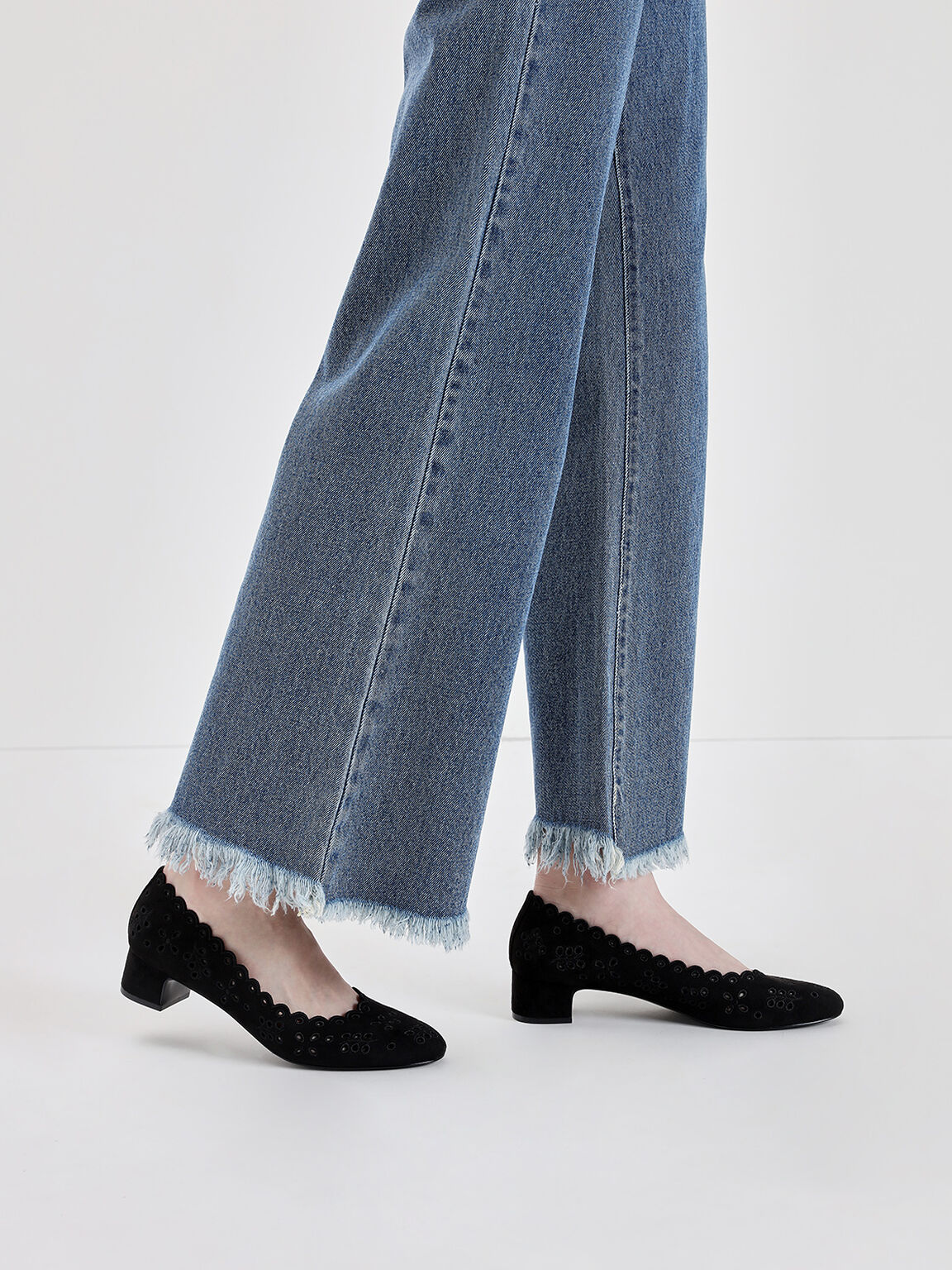 Scalloped Low Block Heel Pumps, Black, hi-res