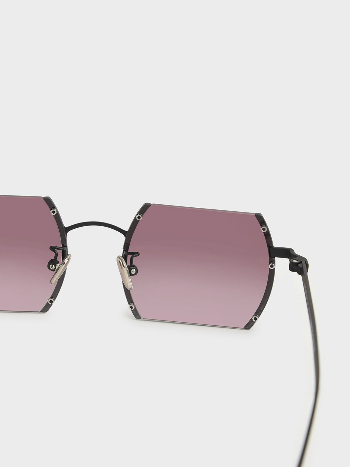 Cut-Off Frame Round Sunglasses, Burgundy, hi-res