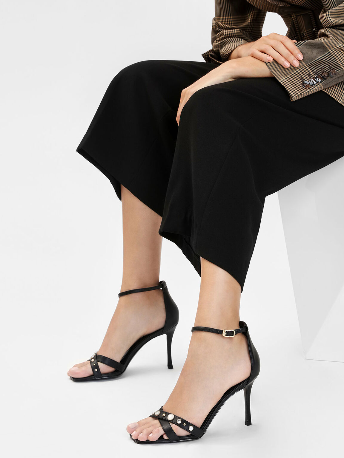 寶石交叉帶涼鞋, 黑色, hi-res