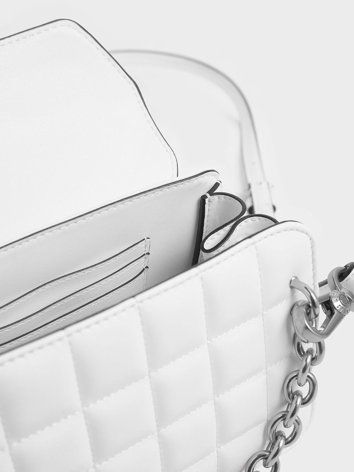 Chunky Chain Strap Quilted Shoulder Bag, White, hi-res