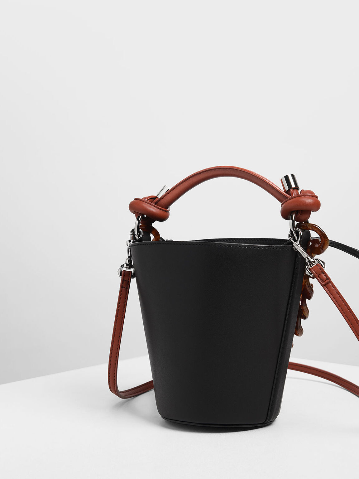 Chunky Chain Bucket Bag, Black, hi-res