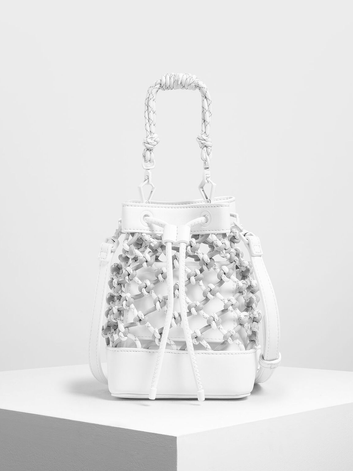 Netted Drawstring Bucket Bag, White, hi-res