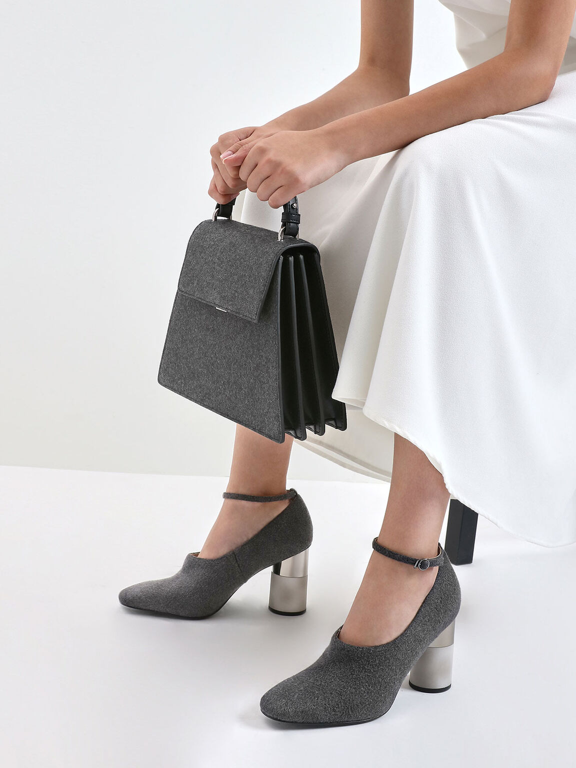 Angular Top Handle Felt Bag, Dark Grey, hi-res