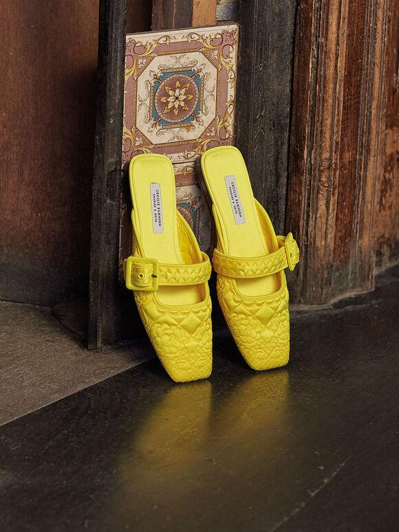 세실리에 반센 X CHARLES & KEITH: 퀼티트 리사이클 새틴 카멜리아 뮬, Yellow, hi-res