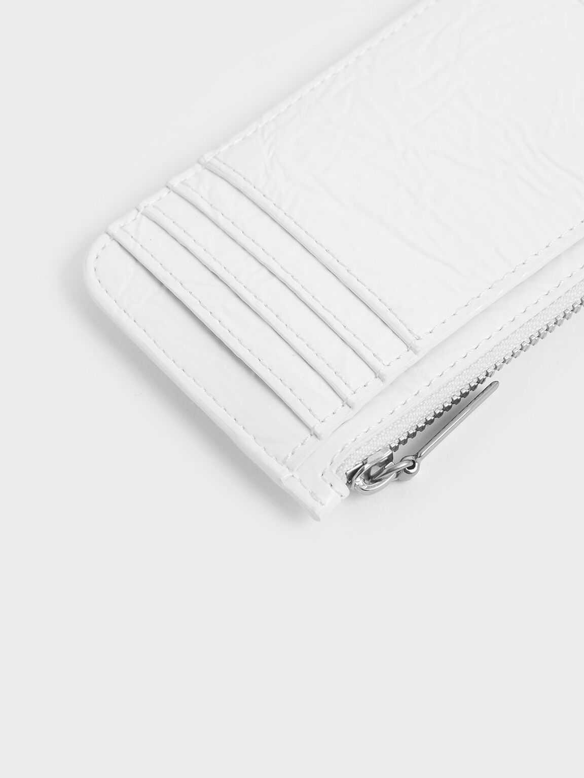 Wrinkled Effect Top Zip Cardholder, White, hi-res