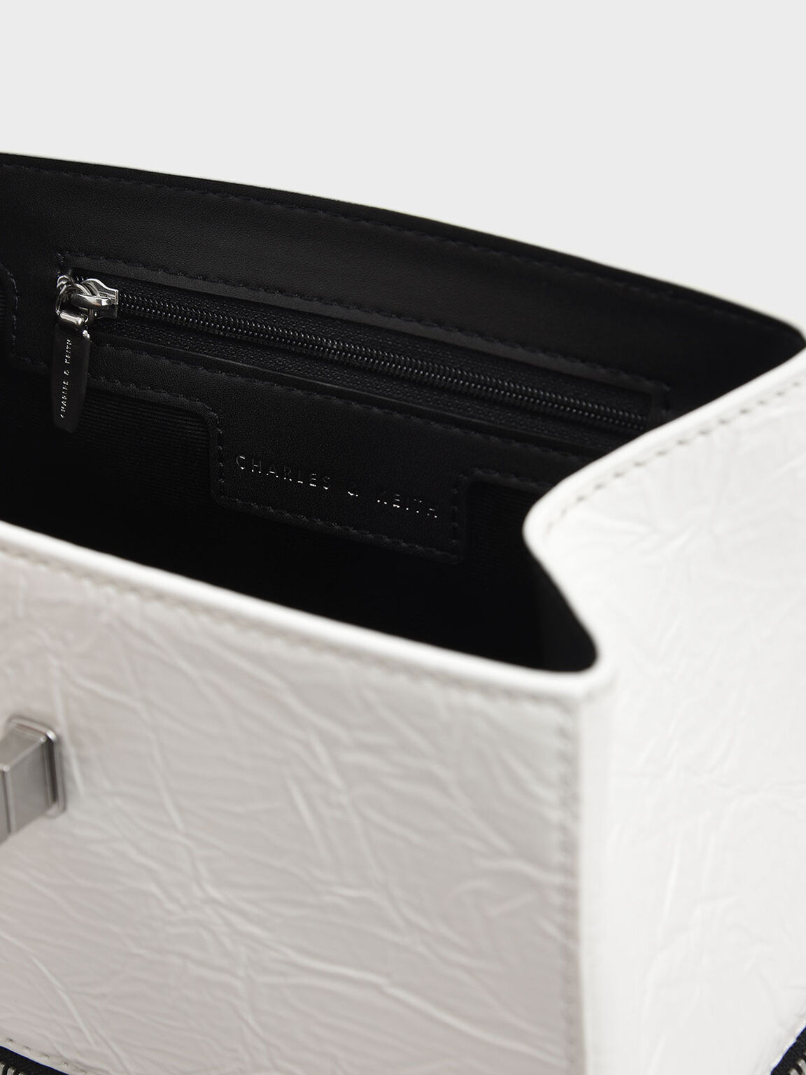Wrinkled Effect Two-Way Zip Chain Handle Bag, White, hi-res