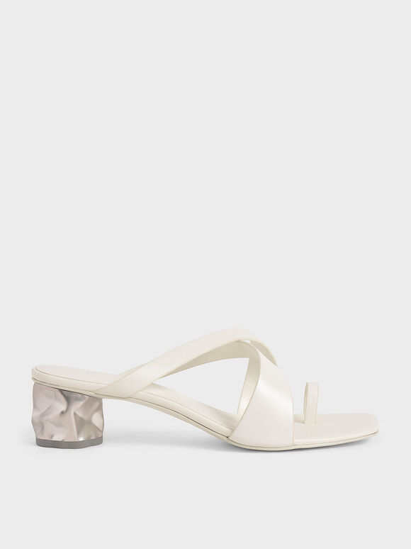 Toe Loop Criss-Cross Sandals, White, hi-res