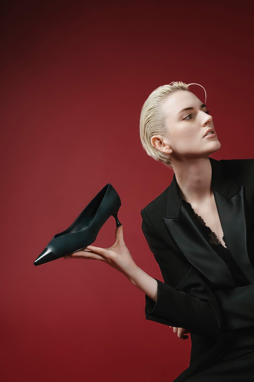 黑色漸層低跟鞋 - CHARLES & KEITH