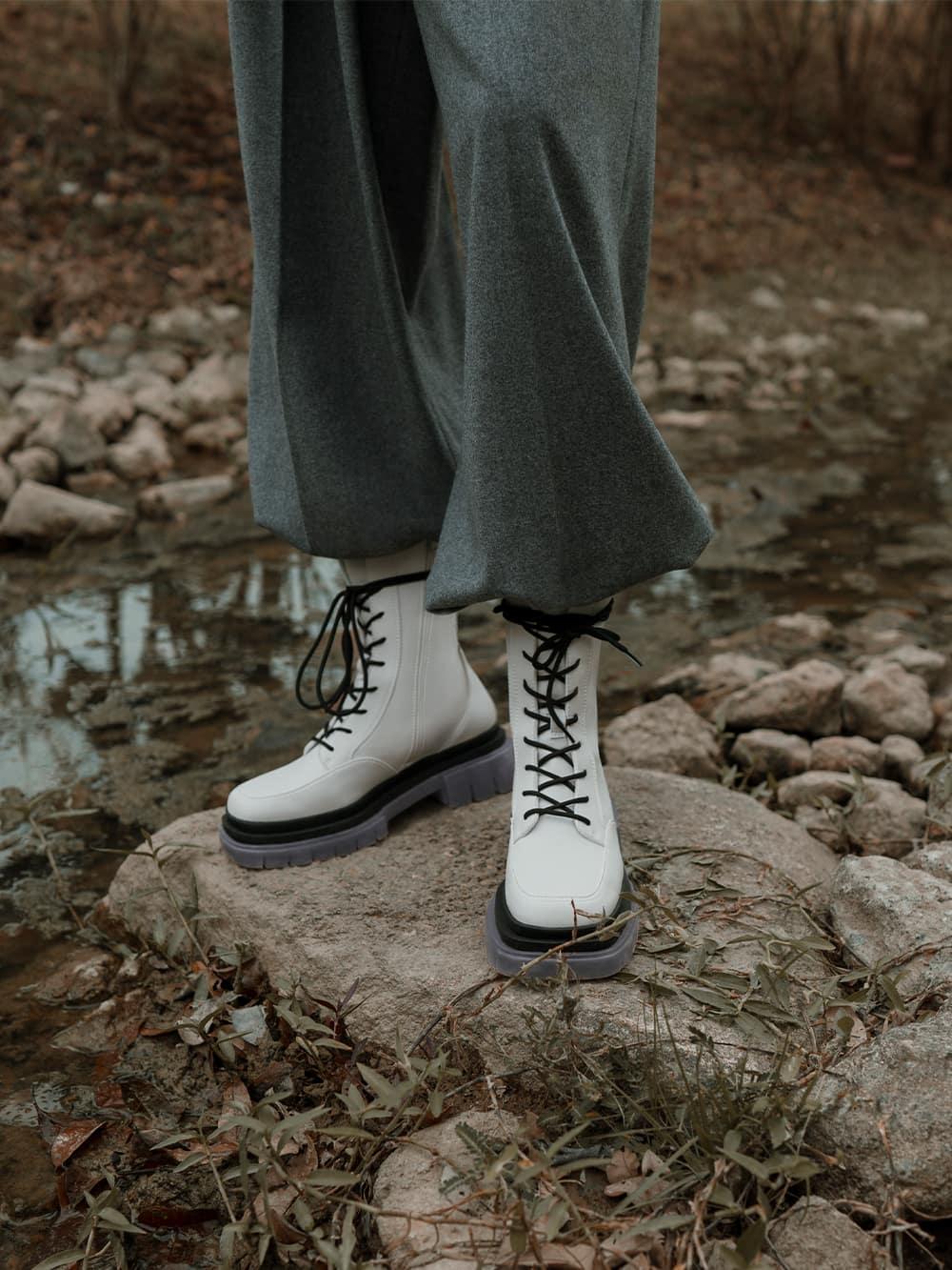 白色厚底馬丁靴 - CHARLES & KEITH