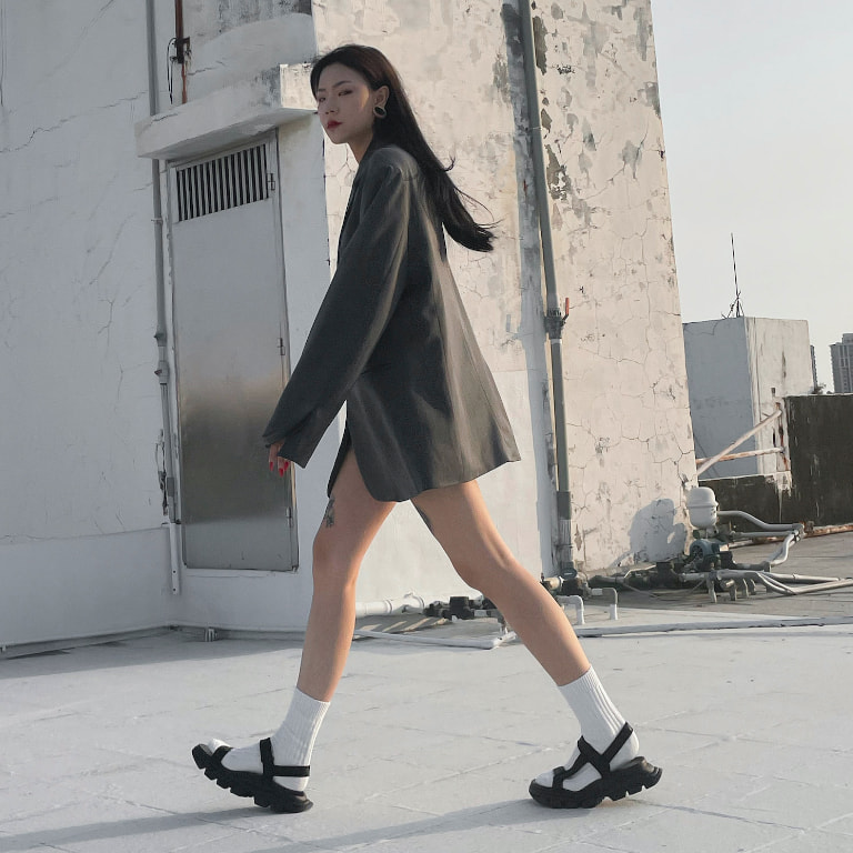Women's Grosgrain Sports Sandals in black, as seen on Lynn 藝琳 - CHARLES & KEITH