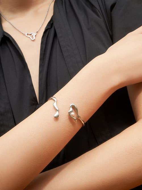 Sculpted Cuff Bracelet, Silver