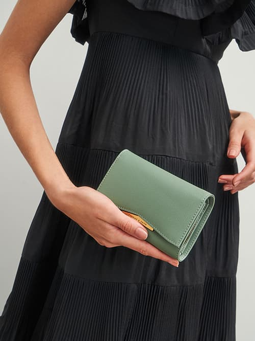 Metallic Accent Envelope Short Wallet, Sage Green