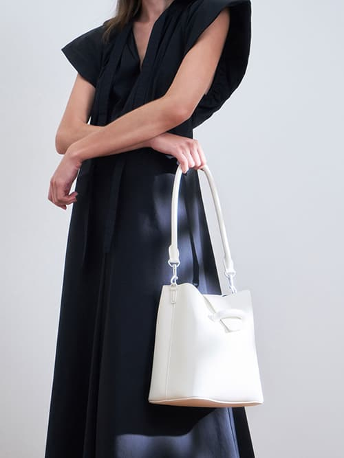 Chain Handle Bucket Bag, White