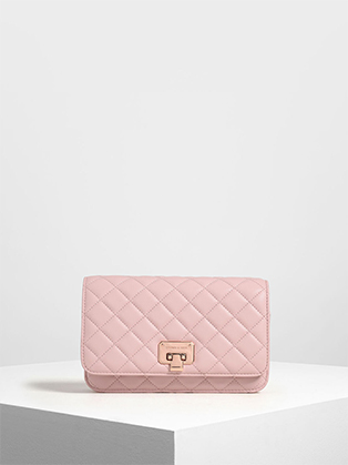QUILTED CLUTCH