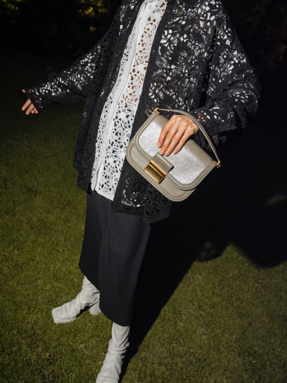 Women's ivory Charlot crossbody bag, as seen on South Korean actress Ki Eun Se - CHARLES & KEITH