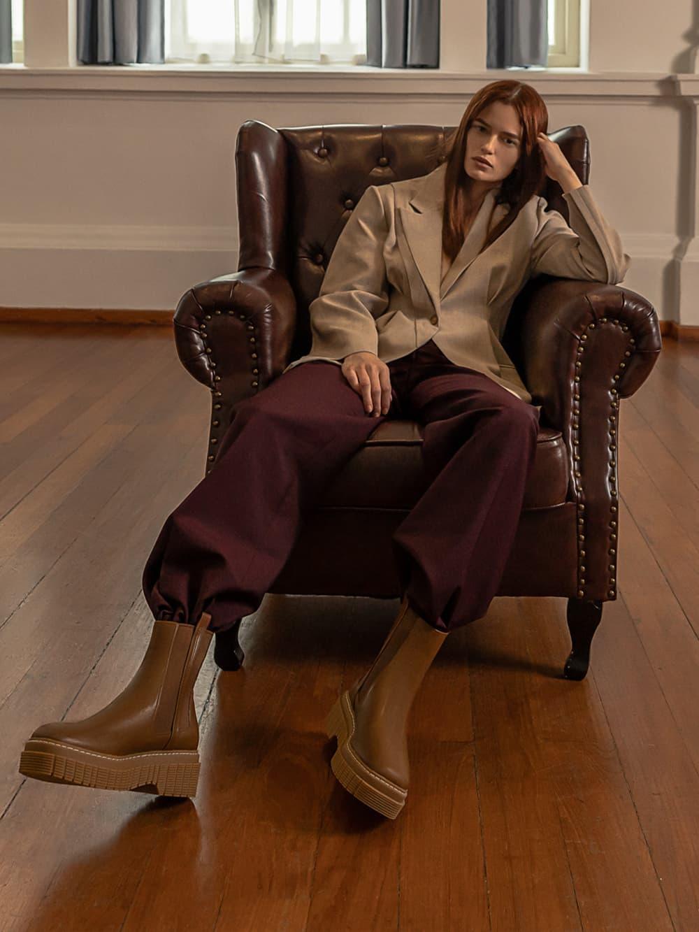 Women's stitch trim platform Chelsea boots in brown - CHARLES & KEITH
